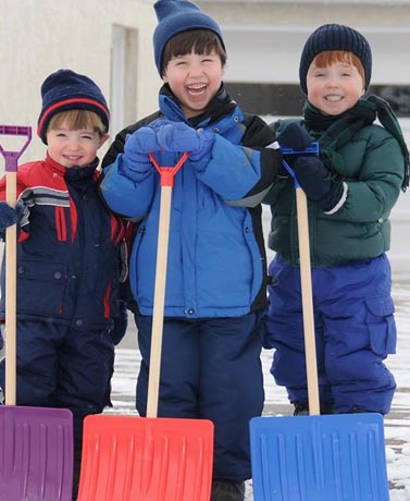 3 Ways Shoveling Snow As A Family Can Make You Happy