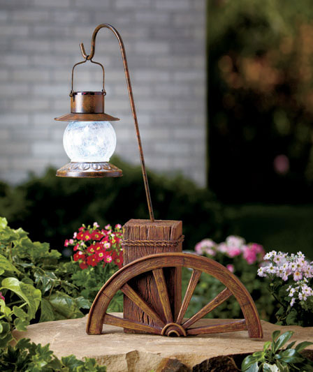 Solar Power Lighted Wagon Wheel Light Old Western Ranch