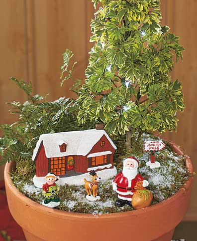 Lighted Holiday Garden Sets