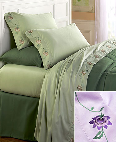 Daisy Chain Embroidered Sheet Sets