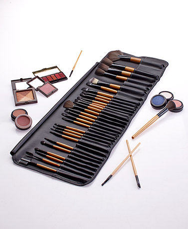 32-Pc. Ultimate Makeup Brush Set