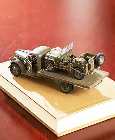 Collectible Die-Cast Military Vehicle Set
