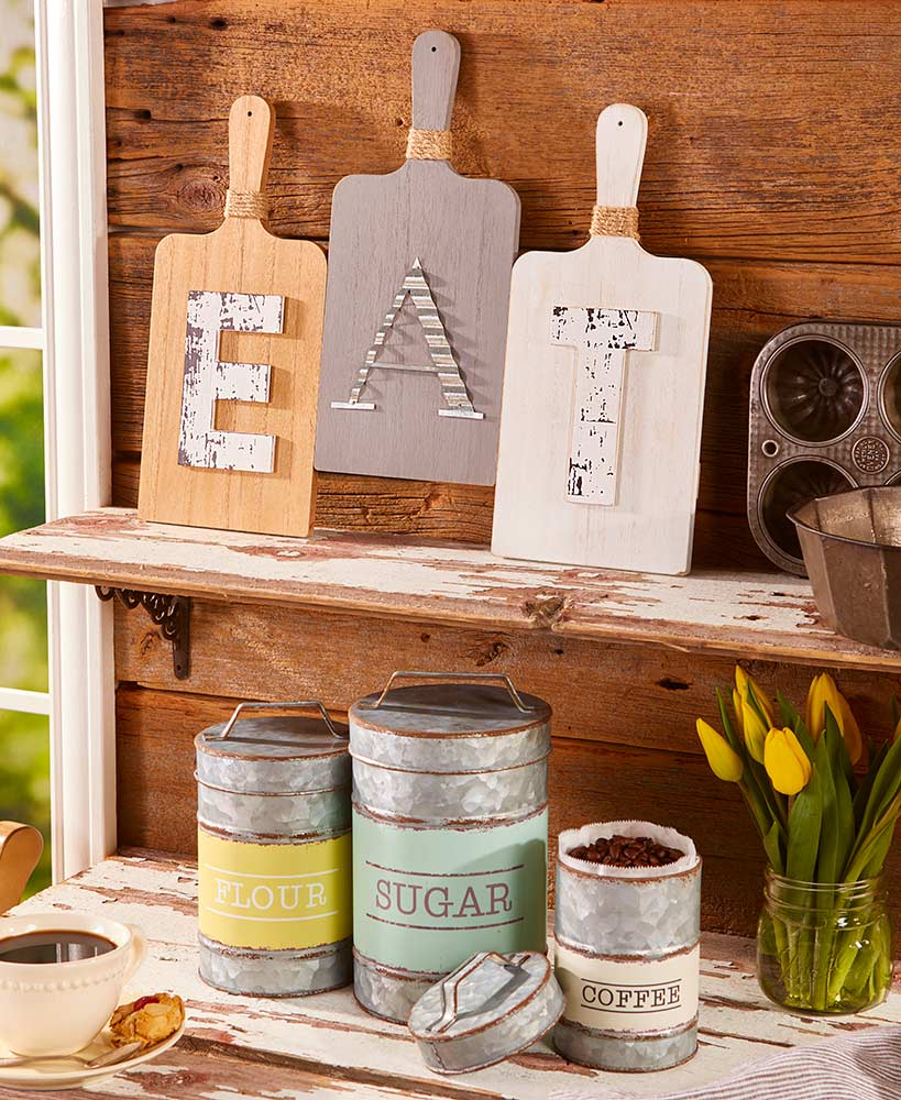 Classic Country Kitchen Accents ...