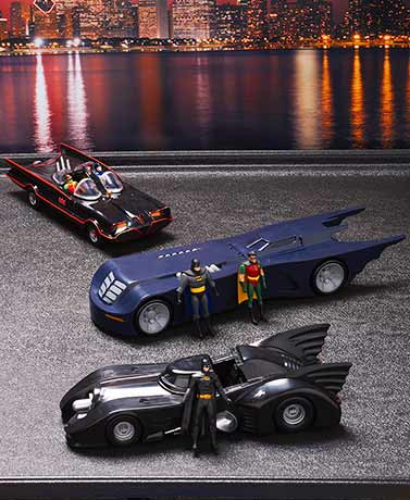 1:24 Scale Batmobiles™ with Bendable Figures