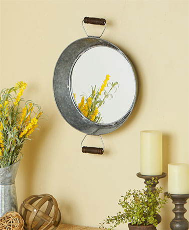 Old-Fashioned Tub Wall Mirrors