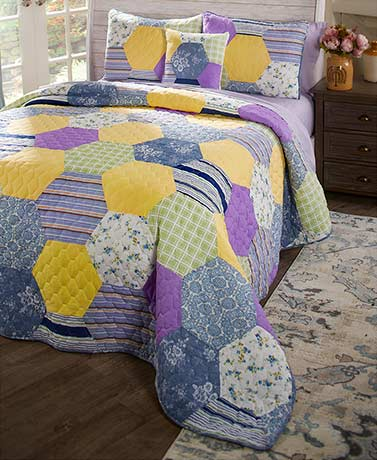 Clara Patchwork Quilt Collection