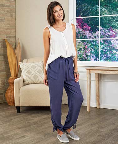 Flowy Cinched-Ankle Pants with Drawstring