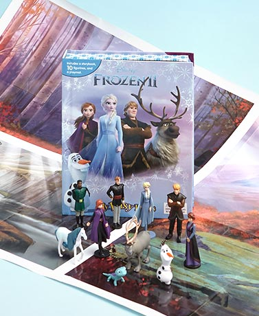 Frozen 2 Book & Figure Set