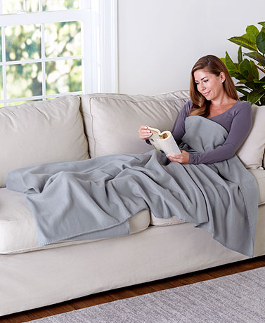 Oversized Fleece Foot Pocket Throws
